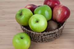 Green apple on wood table.  Royalty Free Stock Photography
