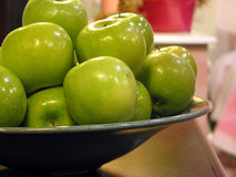 Green apples bowl Royalty Free Stock Images
