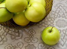 Green apples in a glass vase Royalty Free Stock Photos