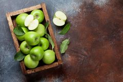 Free Green Apples In Wooden Box Stock Photography - 120791082