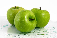 Green apples with waterdrops Royalty Free Stock Photography