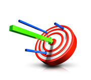 Green arrow hitting bulls eye Royalty Free Stock Photos