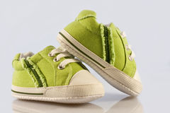 Green baby shoes Stock Photography