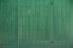 Green_Barn_Door 免版税库存图片