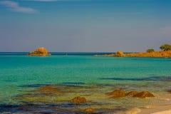 Green Bay und Felseninsel Lizenzfreie Stockfotos