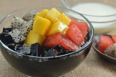 Green Bean jelly Mango fruit platter royalty free stock images