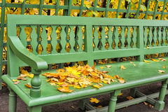 Green bench Stock Photography