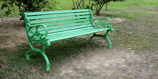 Green Bench in Park Royalty Free Stock Photos