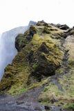 GREEN&BLACK岩石冰岛 免版税库存照片