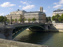 Green bridge over the Seine river Stock Photography