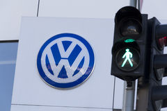 Green colour on traffic light with Volkswagen car maker logo Stock Photography