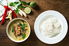 Green curry with shrimp and rice noodles. Thai cuisine. (kang keaw wan). Royalty Free Stock Photos