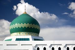 Green dome on modern mosque Royalty Free Stock Photography