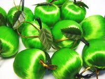 green för 6 äpplen Arkivfoton
