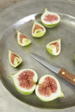 Green fresh figs in a plate Royalty Free Stock Images