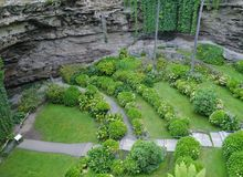 A green garden in a sink hole Stock Photography