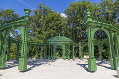 Free Green Gazebo In The Park Stock Images - 48872914