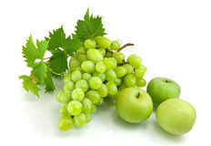 Green grapes and apples Royalty Free Stock Images