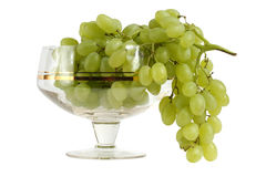 Green grapes in the vase of glass Royalty Free Stock Photos