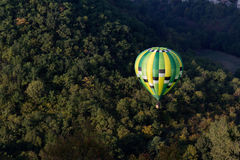 Green hot air balloon Royalty Free Stock Photos