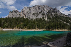 Green lake and mountain Royalty Free Stock Photography