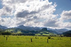 Green landscape and mountain range Stock Photography