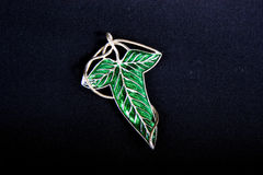 Green Leaf Pin on Black Royalty Free Stock Photos