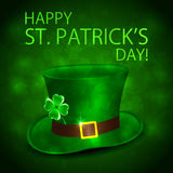 Green leprechauns hat and clover Royalty Free Stock Images