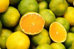 Green mandarin at fruit market Royalty Free Stock Photos
