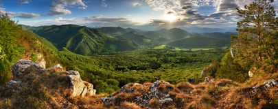 Green mountains landscape with sun Royalty Free Stock Photos