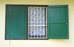 Green old wooden window Stock Photography