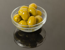 Green olives in bowl isolated Royalty Free Stock Photography