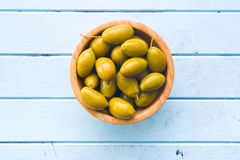 Green olives in bowl Royalty Free Stock Photos