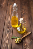 Green olives and olive oil Royalty Free Stock Photos