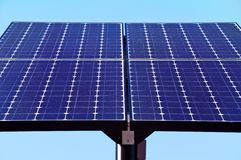 green panels sol- teknologi Royaltyfri Bild