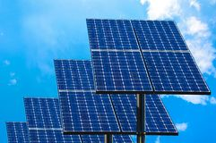green panels sol- teknologi Fotografering för Bildbyråer