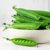Green peas in bowl Royalty Free Stock Photography