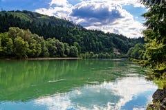 Green River in den alpinen österreichischen Bergen Stockfotos