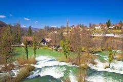 Green River Dorf von Rastoke Stockbilder