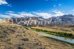 Green River fließt Vorberge durch Stockfotos