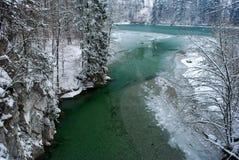 Green River mit Schnee Lizenzfreies Stockfoto