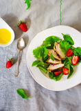 Green salad with chicken and strawberry Royalty Free Stock Photos