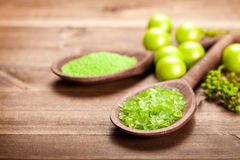 Green salt for aromatherapy Royalty Free Stock Photography