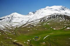 Green slopes of the spring Pyrenees Royalty Free Stock Photos