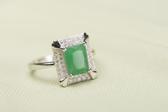 Green stone ring Stock Photography