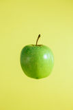 Green tasty fresh apple Stock Photography