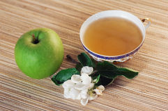 Green tea and apple Stock Photography