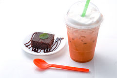 Green tea with chocolate cake Royalty Free Stock Photography