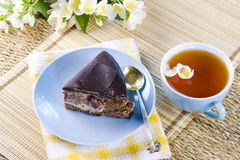 Green tea with jasmin and cake Stock Photography
