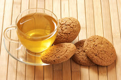 Green tea and oatmeal cookies Royalty Free Stock Images